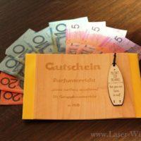 Geschenkidee Gutschein aus Holzfurnier lasergraviert